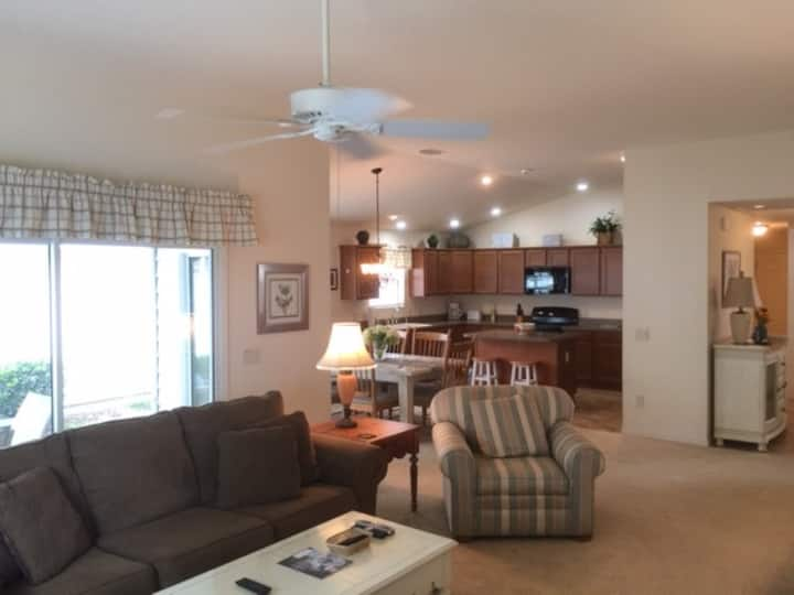 3BR Affordable LUXURY Creekside Landing walk to sq