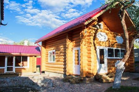 Уютный двухэтажный деревянный дом - Viciebsk - Haus