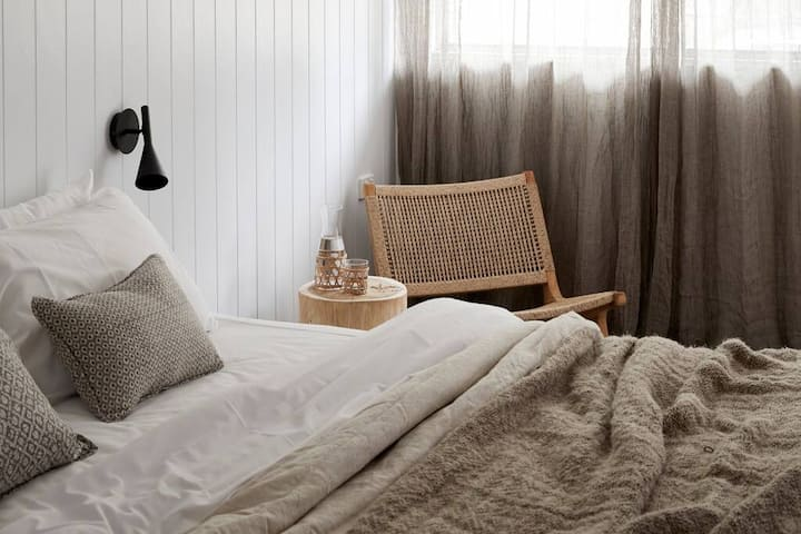 Adults Only - King Suite & Ensuite in Brunswick Heads