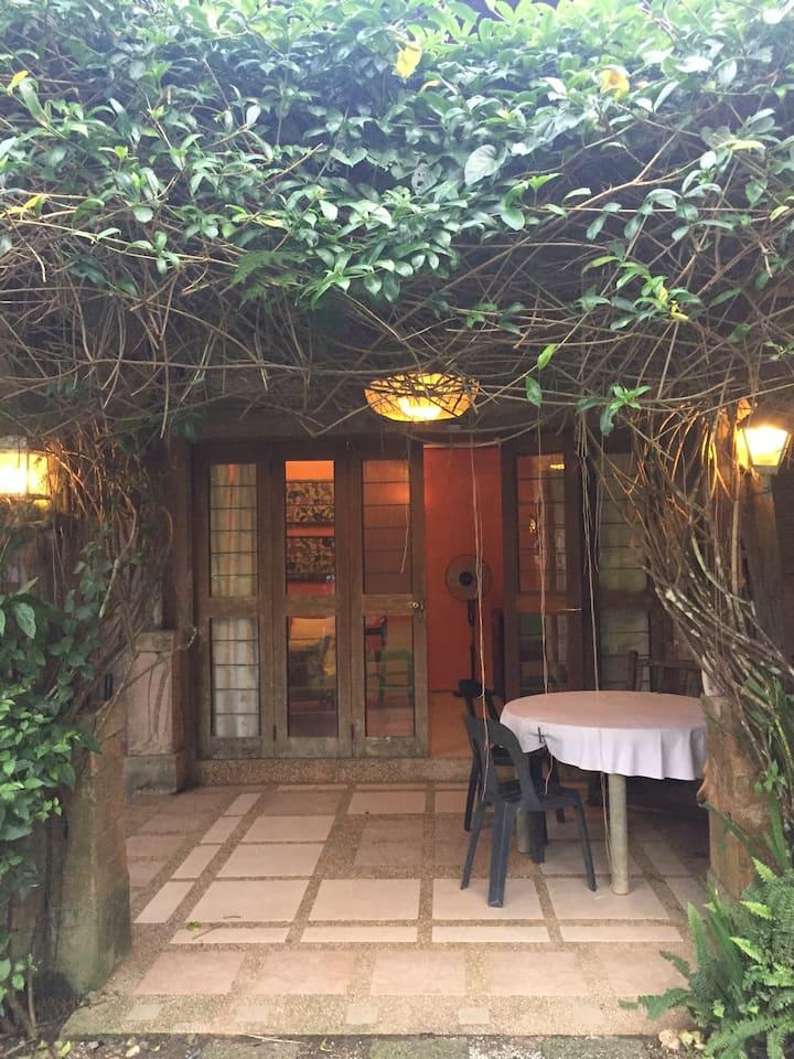 CasaMaRa Garden annex room