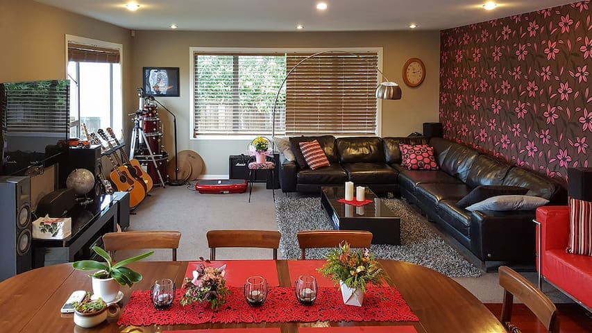 Home Away from Home in Karori