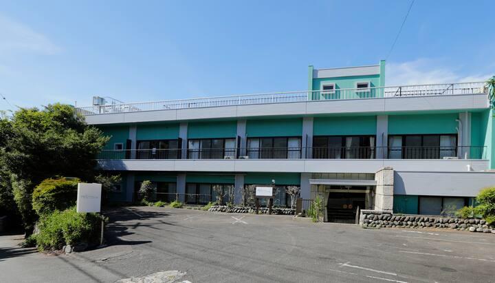 【海の見える町!】大人数大歓迎♪広々ゆったり施設で夏を楽しもう!【伊豆温泉満喫☆】
