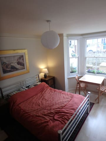 Central Oxford double self contained & en-suite