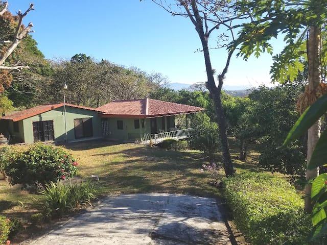 Private Villa Sonrisas: Atenas, Alajuela, C.R.