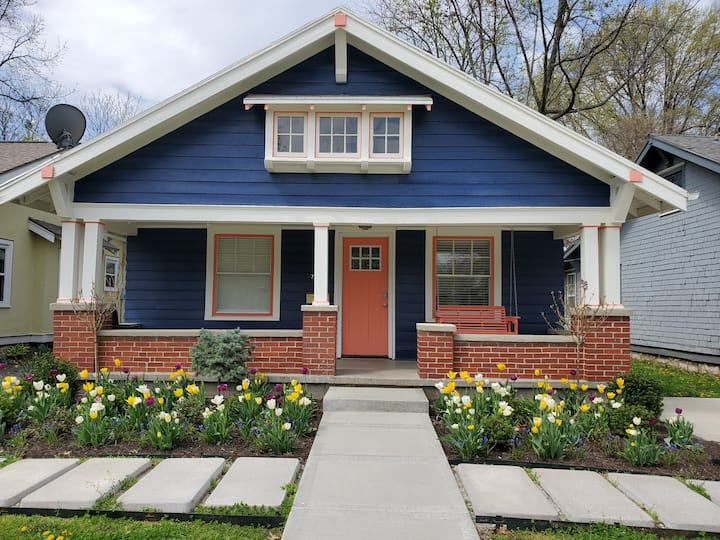 Comfy Waldo Bungalow for short and long term stays