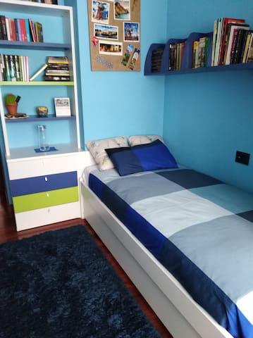 Confortable habitación con desayuno