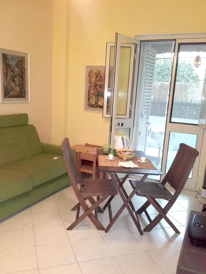 Apartment with 2 bedrooms in Gaeta, with enclosed garden - 300 m from the beach