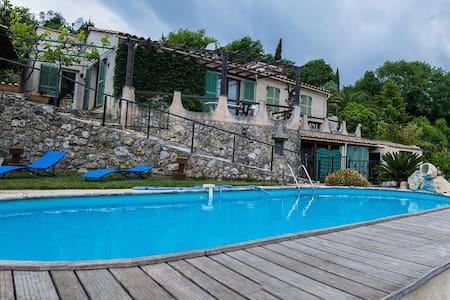 Maison plein pied  calme +piscine - Gattières