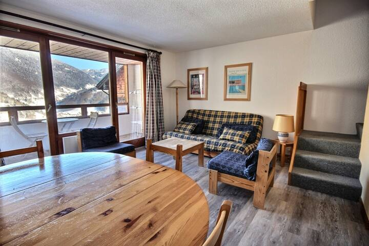 SPACIOUS DUPLEX APARTMENT -SWIMMING POOL ACCESS - CENTRE OF SAINT JEAN D'AULPS SKI RESORT - 9 PEOPLE - COFI D18