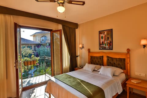 Double Room with Side Sea View | Olive Odore