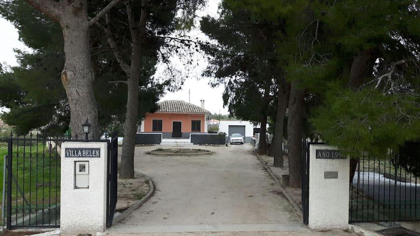 Casa con pinada - Cehegín
