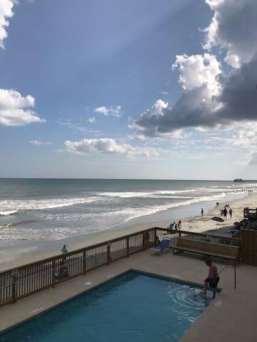 Ocean Front, Garden City Beach Cozy 1BR/1BA Condo