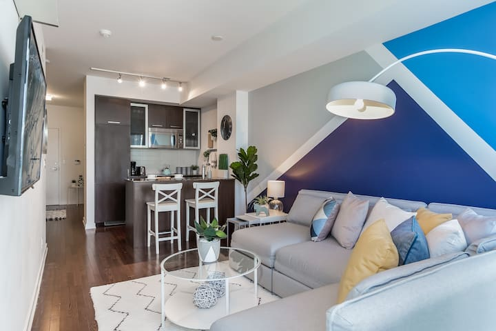 4 Beds + 8 ppl - Waterfront Condo