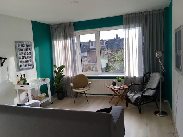 Ruim en licht app loopafst v centr - Amersfoort - Apartamento