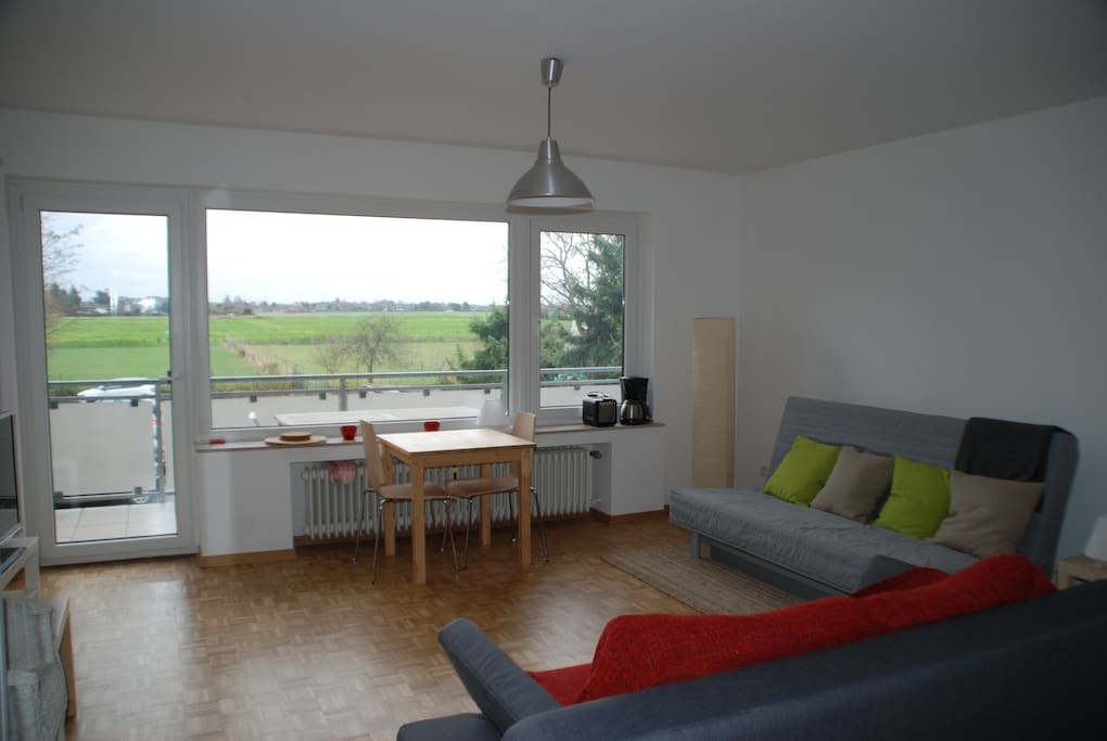 comf studio w balcony for fairs flats for rent in kaarst nordrhein westfalen germany. Black Bedroom Furniture Sets. Home Design Ideas