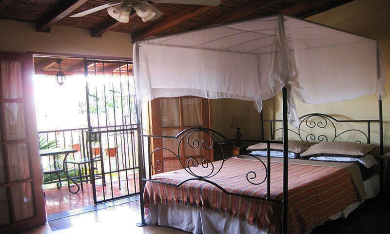 Xalteva Balcony Suite at Casa de la Plaza - Grenada - Bed & Breakfast