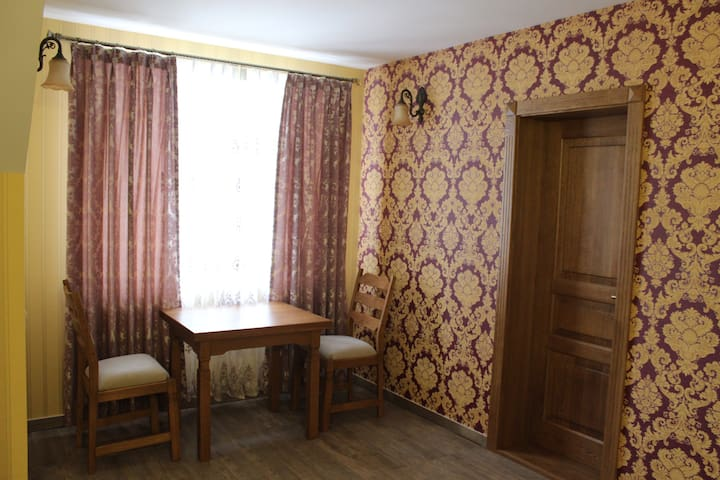 Номер Lux 37 м2 в guest house Barin House. - Sumy - Bed & Breakfast