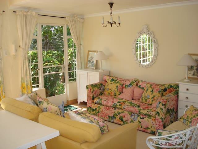 Pleasant affordable accommodation in Sandringham - Johannesburg - Apartmen