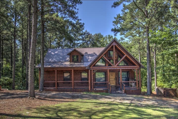 Timber Bear Cabin Your Perfect Getaway!