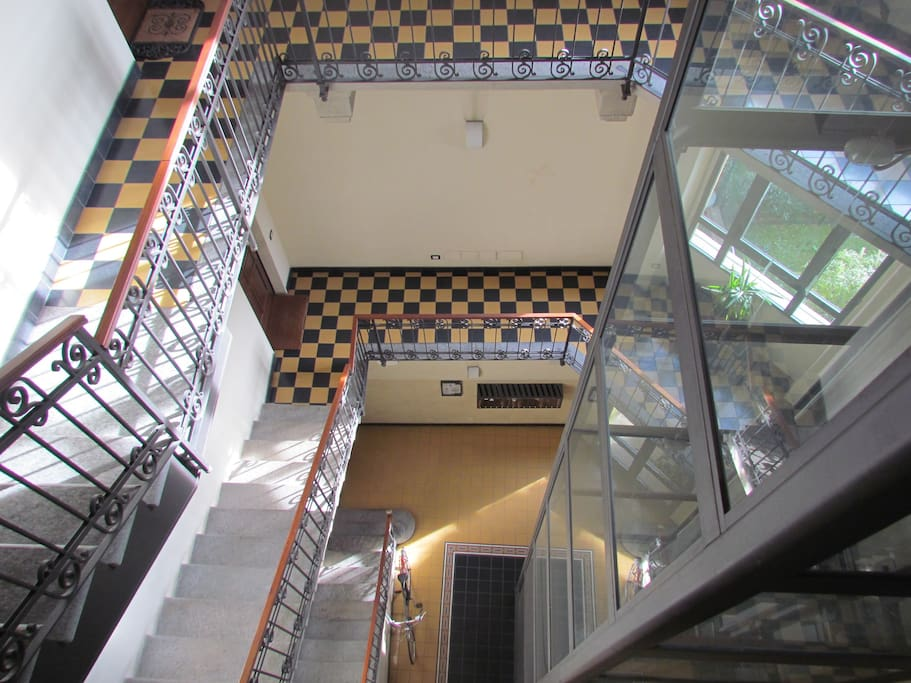 scale e ascensore stairs and glass lift