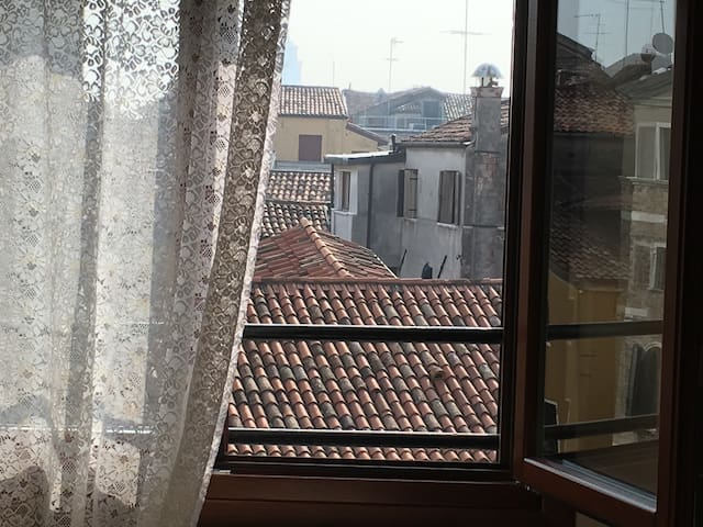 A Venetian view from the first bedroom window, simply wonderful