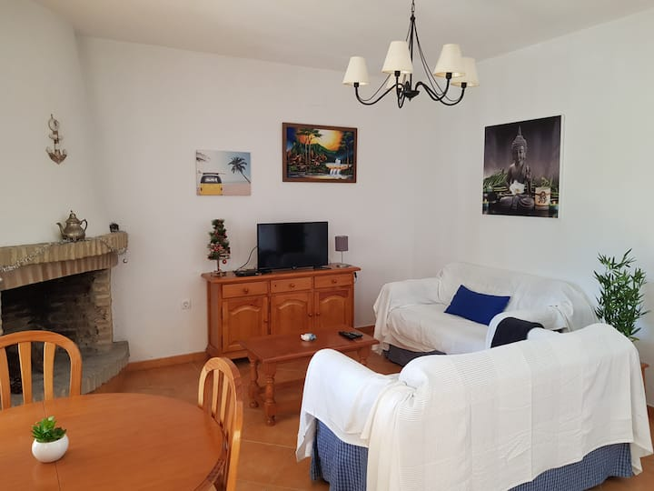 Casa con chimenea a 5 min a pie de playa del Faro
