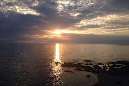 pieds dans l'eau, le rêve accessible - Ajaccio - Bed & Breakfast
