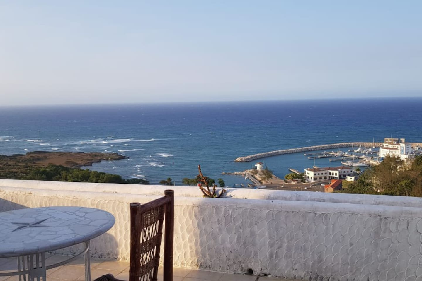 Big 2BDM Penthouse with an outstanding ocean  view