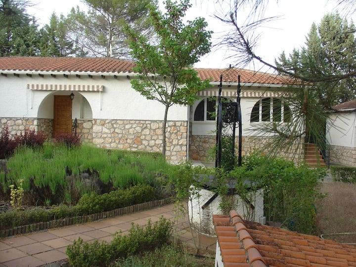 Villa de campo para 2 a 10 personas en Renera