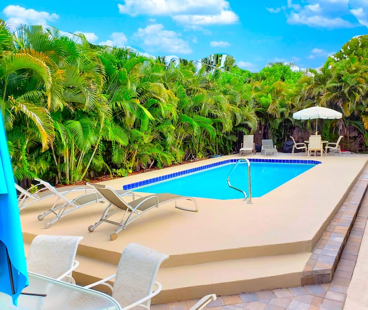 Oasis! PRIVATE Suite,Pool 5min to Beach Stadum PGA