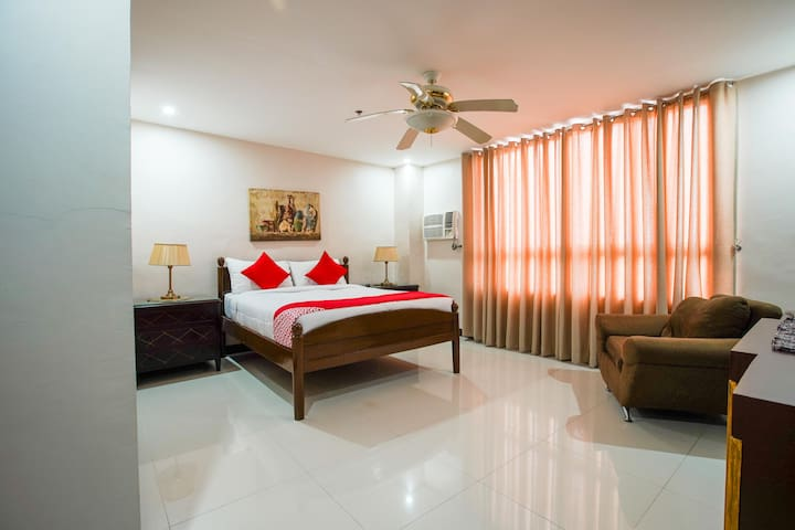 1BR Suite Room In Hotel Edmundo