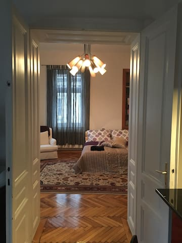 Big room for rent in Old Town - Sarajewo - Apartament