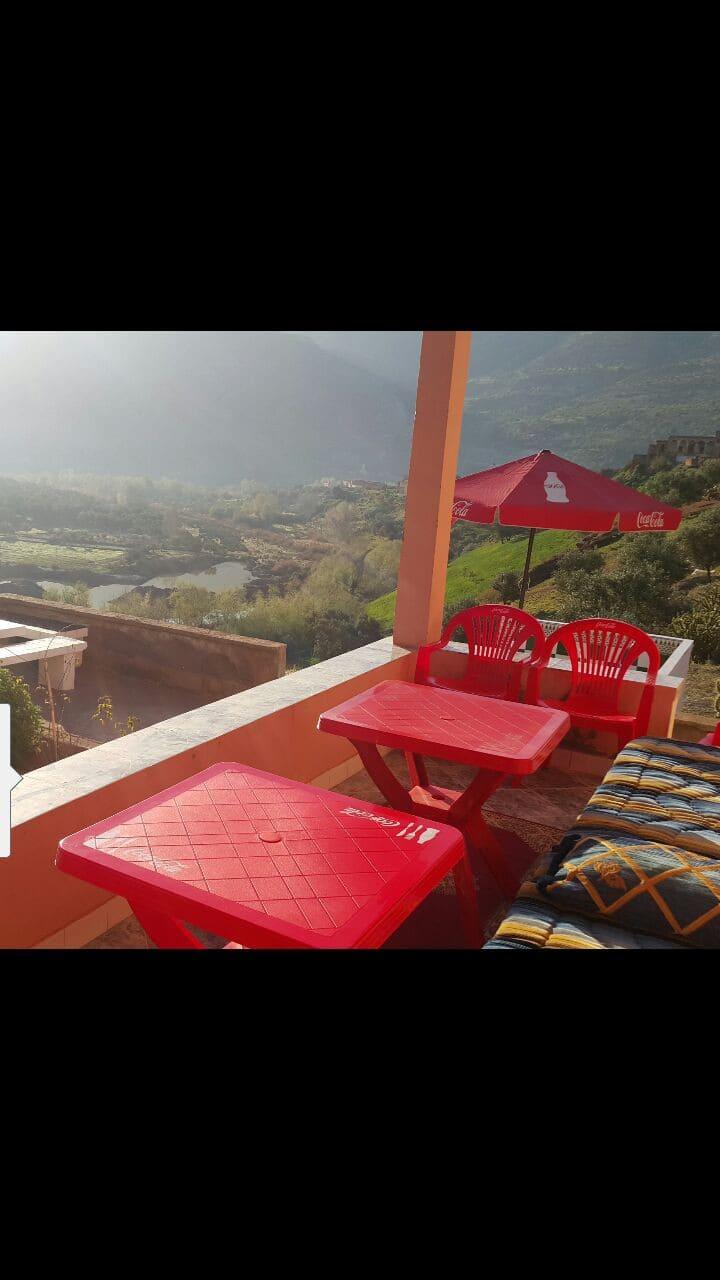 Villa de 950m situé on pleine nature  sur le lac