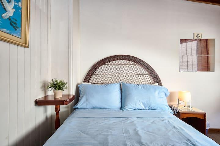 -Habitación 2, en segundo nivel. -Bedroom 2, on the second level.