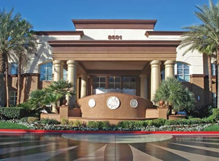 2bdm-sleeps6 WorldMark Resort-Las Vegas***