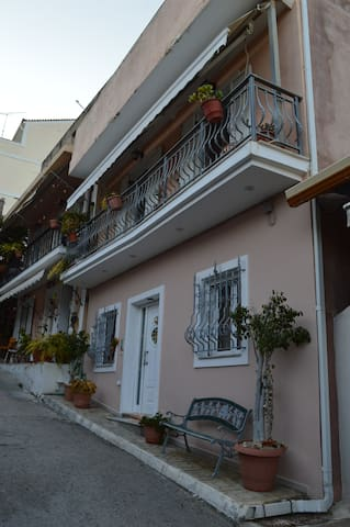 Family House at the Center of Zakynthos - Zakinthos - Casa