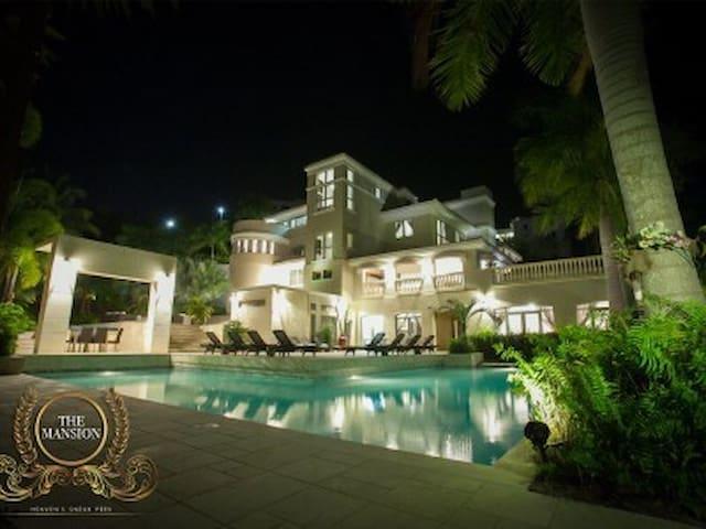 Largest Mansion in PR, located in Wyndham Resort - Río Grande - บ้าน