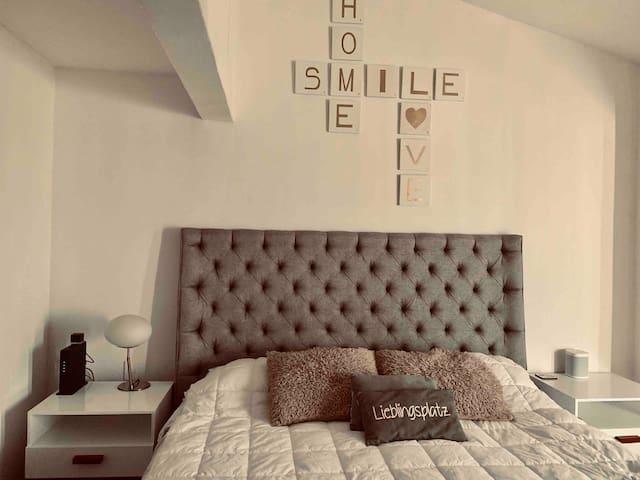 Hermosa habitación   Smart controla todo con voz