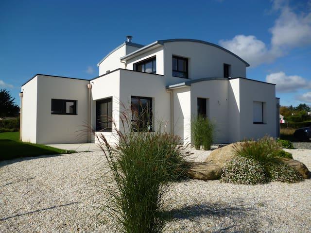 Maison contemporaine vue mer et jacuzzi - Plouézec - Dom