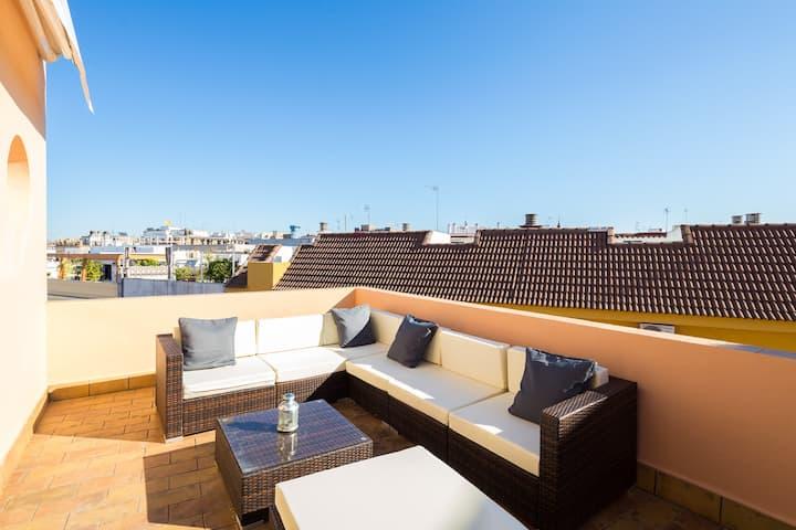 Santiago. 3 bedrooms, terrace, free parking