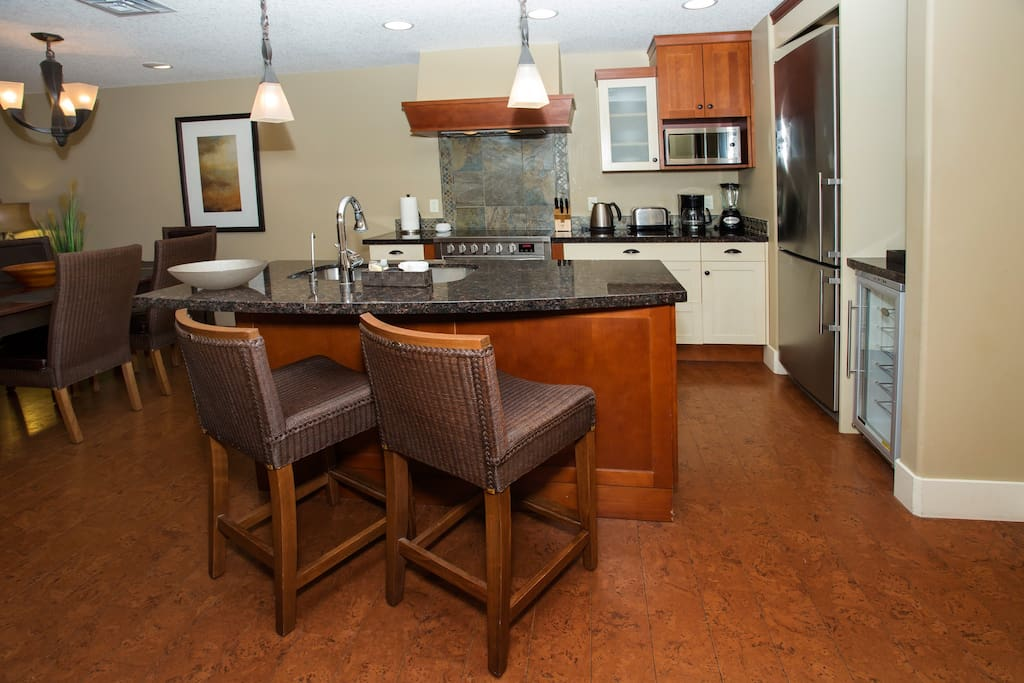 Beautifully designed kitchen with all the amenities