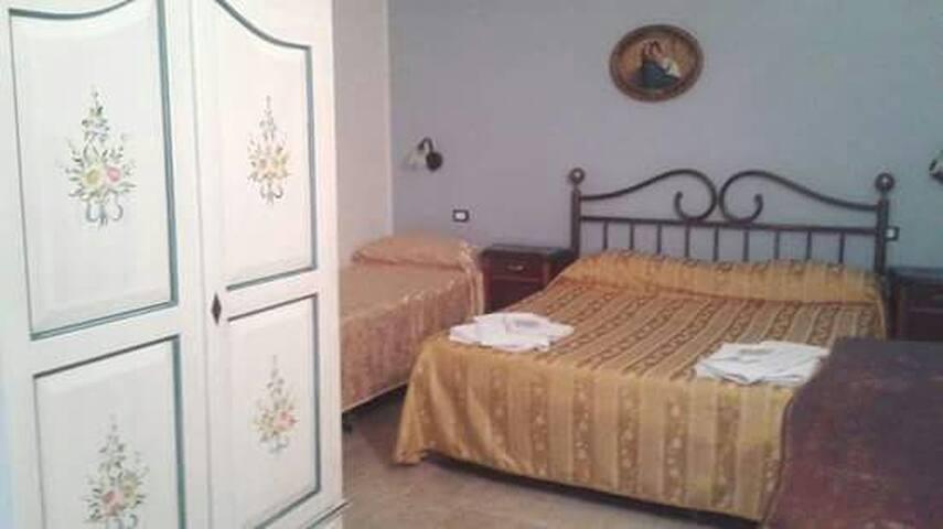 Villa Il SoFà di Milocca - camera 2 - Fanusa - Bed & Breakfast