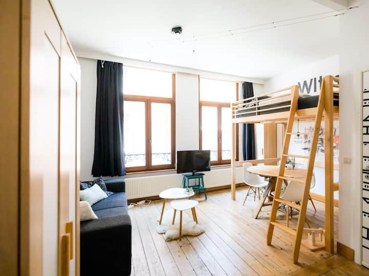 Cosy studio in Antwerp's historic centre