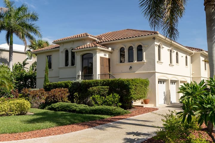 Newly constructed stunning spacious home close to everything.  SPRING SAVINGS!!