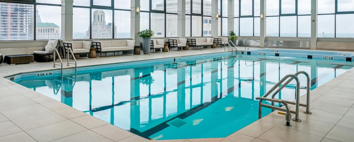 Pool Opened! 2 Br Apt with Lovely Philly Views