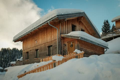 Gorgeous Chalet in Annaberg-Lungötz with shared Swimming Pool