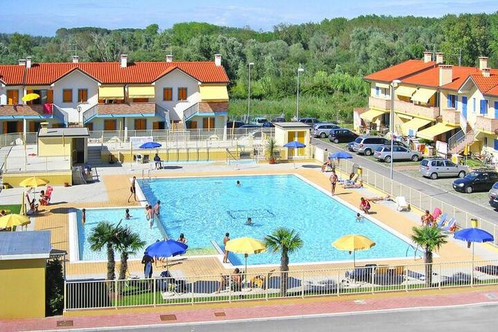 4 star holiday home in Rosolina Mare