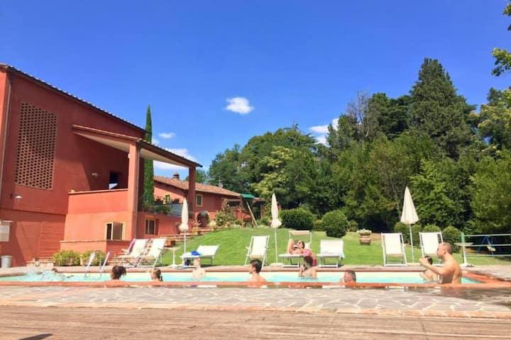 Lush Apartment in Castelfiorentino with Swimming Pool