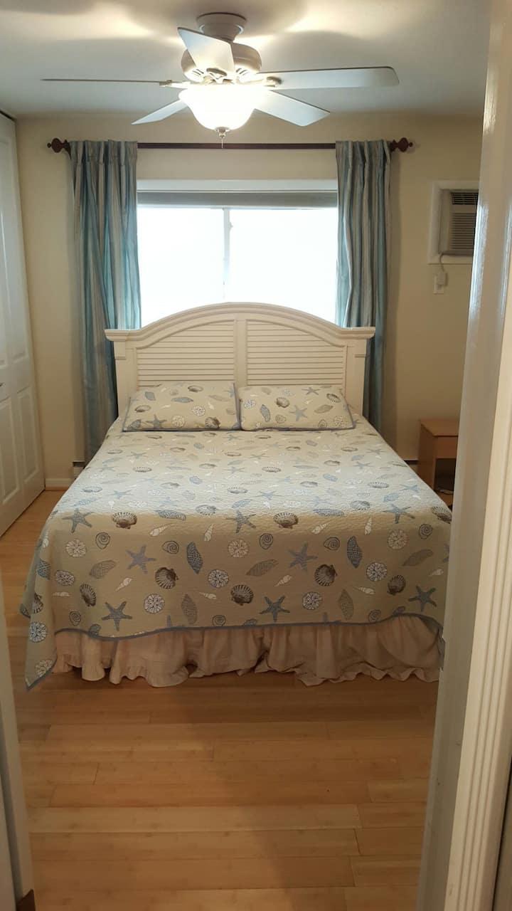 1 bed 1 bath 2nd floor condo
