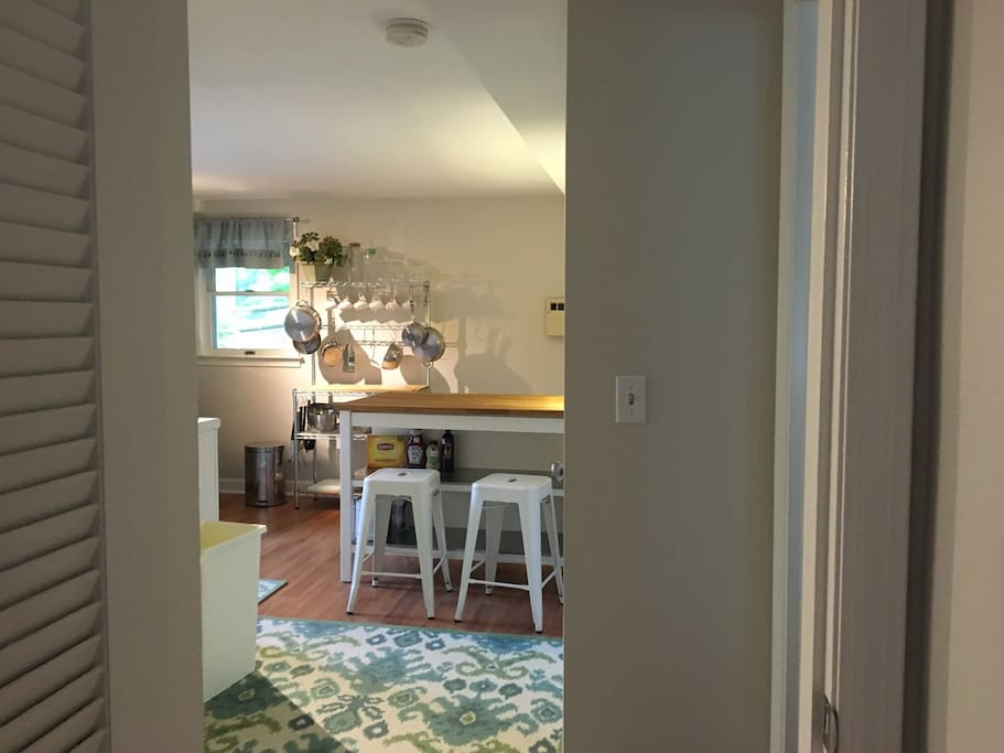 efficient kitchen prep and eating bar